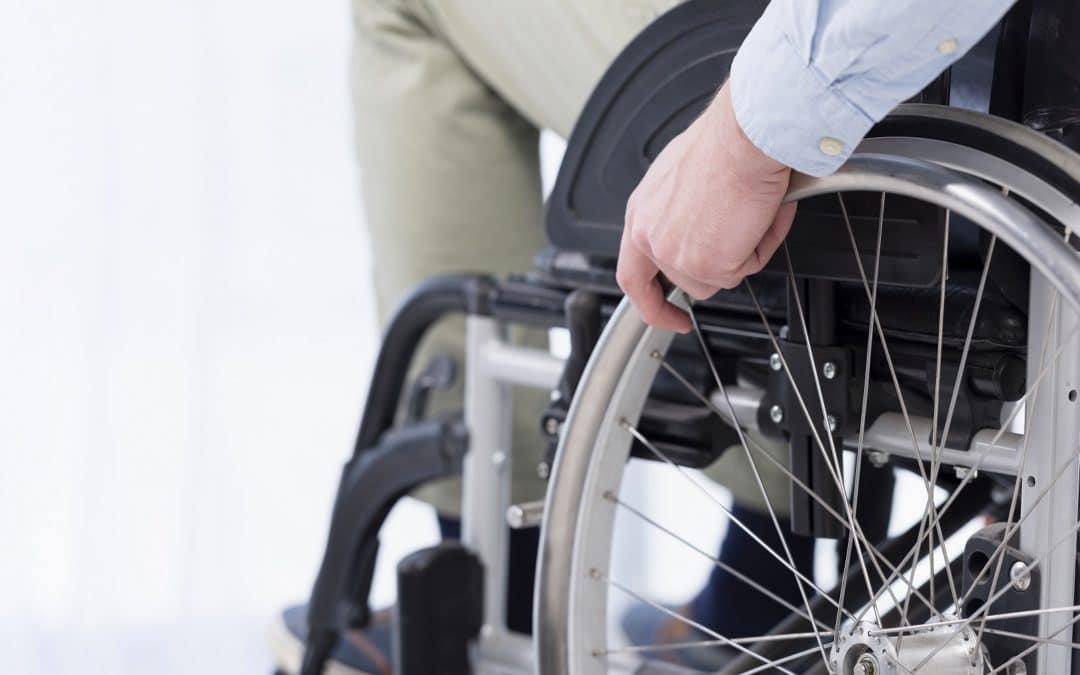Accidents de la circulation : le fauteuil roulant électrique n'est pas un véhicule terrestre à moteur au sens de la loi Badinter du 5 juillet 1985